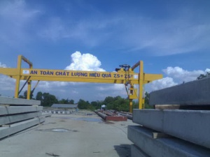 Double Gantry Crane with console in both side 7.5 + 7.5 tons